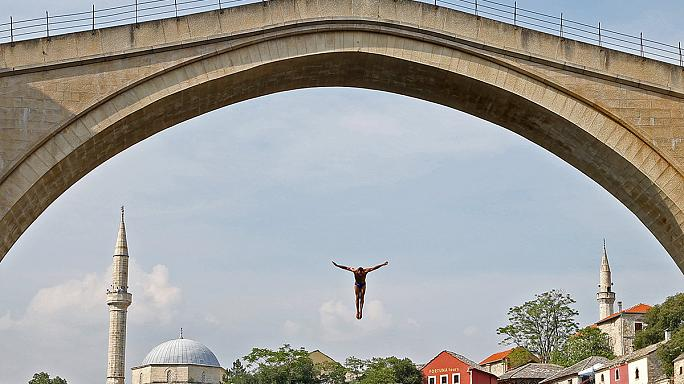Paredes wins Cliff Diving World Series event in Bosnia-Herzegovina