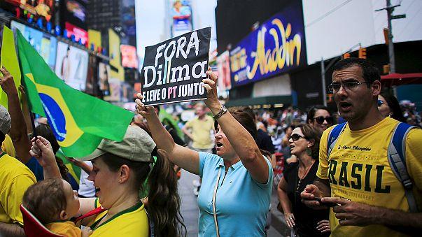 Proteste in tutto il Brasile contro la presidente Rousseff