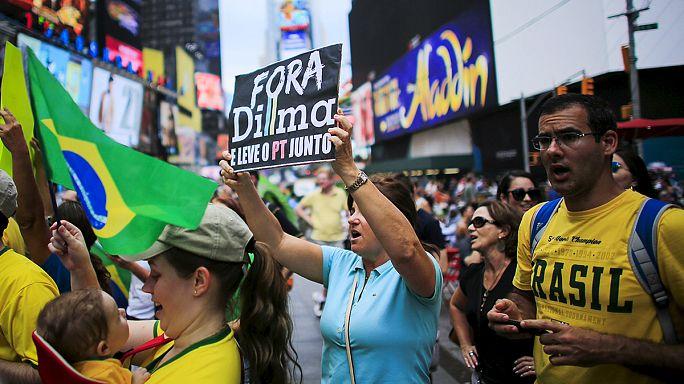 مظاهرات في 200 مدينة برازيلية تطالب بتنحي روسيف