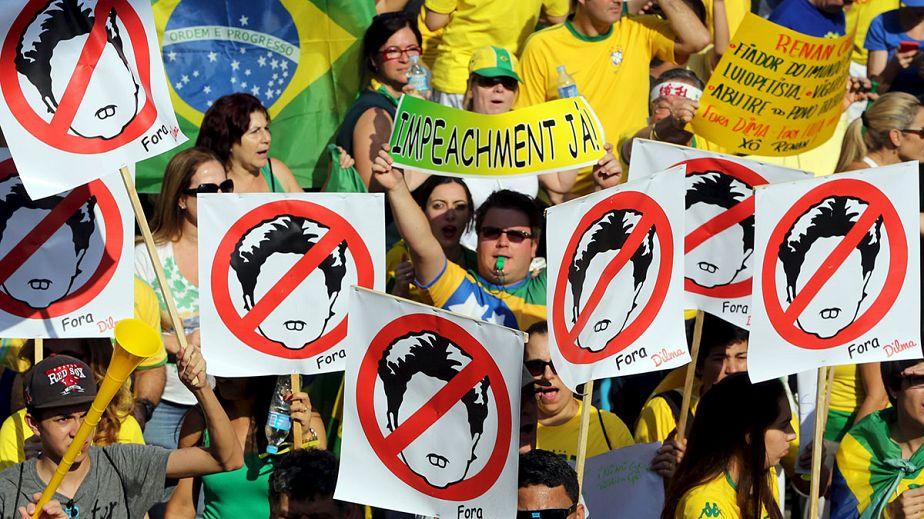Brésil : manifestation anti-Dilma Roussef