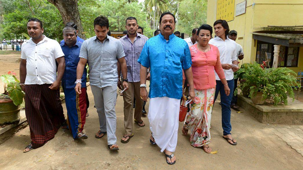 Sri Lanka : l'ex-homme fort Rajapakse tente un retour aux législatives