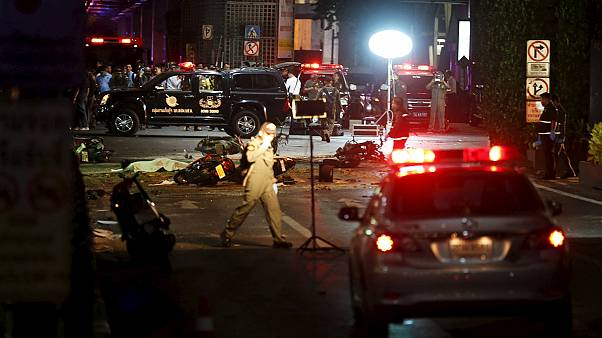 Véres robbantás Bangkok turistanegyedében