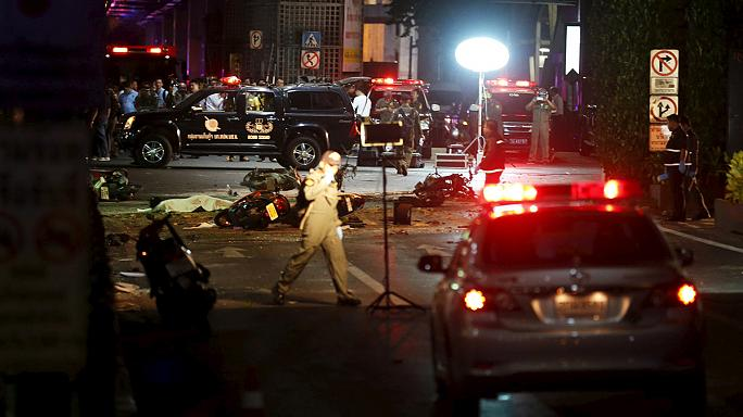 Au moins 16 morts dans un attentat à la bombe à Bangkok