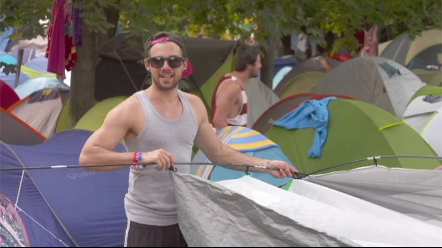 Sziget festival-goers urged to donate tents to Hungary refugees
