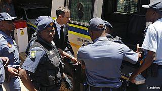 Писториус выходит из тюрьмы в связи с условно-досрочным освобождением