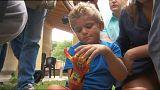 طفل فرنسي يحصل على يد اصطناعية ثلاثية الأبعاد