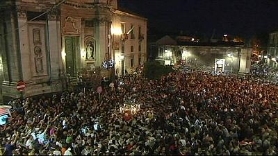 Catania in lutto per i 49 migranti morti durante traversata