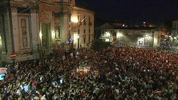 Tűzijáték helyett gyász Szicília szigetén