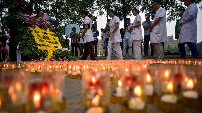 Chine : Tianjin pleure ses morts et redoute une contamination à grande échelle