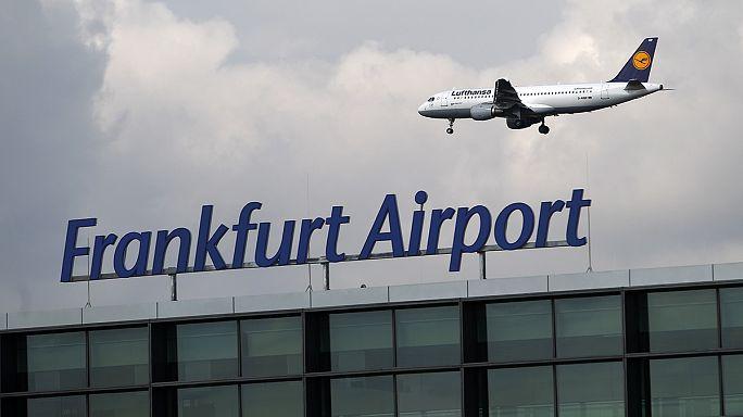 اليونان توافق على صفقة لبيع 14 مطارا اقليميا لشركة ألمانية