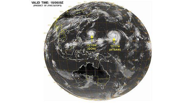 Pacifique : dans les yeux de typhons « jumeaux »