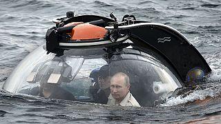 بوتين يزور القرم ويحذر من التلاعب بموضوع القوميات