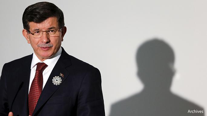 Turkey PM Davutoglu abandons coalition talks