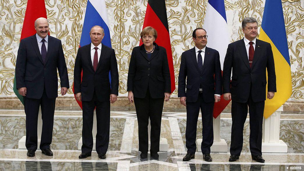Eskalationen in der Ostukraine: Poroschenko, Merkel und Hollande wollen in Berlin zusammenkommen
