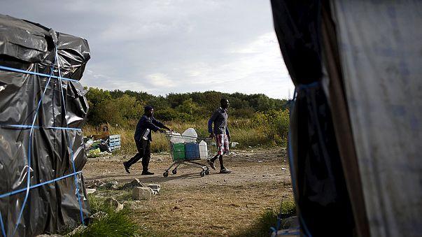 Frankreich und Großbritannien wollen neue Maßnahmen gegen Flüchlingskrise in Calais beschließen