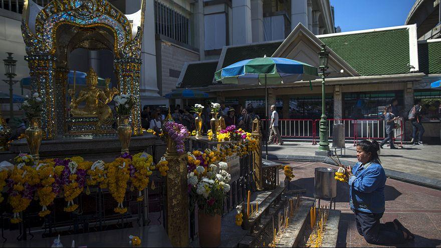 Bangkok yaralarını sarıyor
