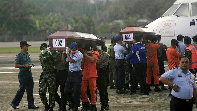Az összes holttestet hazaszállítják az indonéz légikatasztrófa után