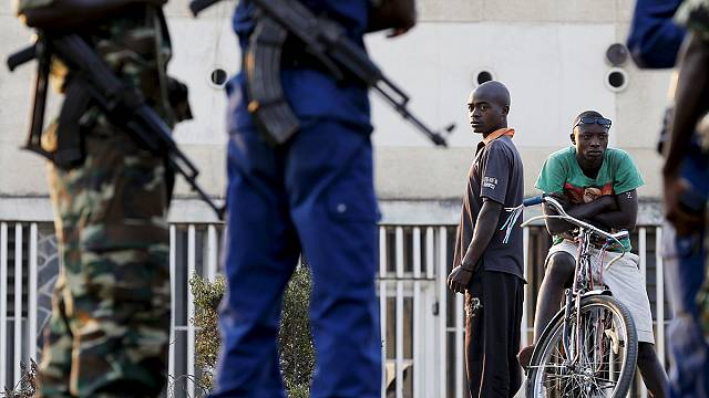 Бурунди: радио молчит, а люди бегут
