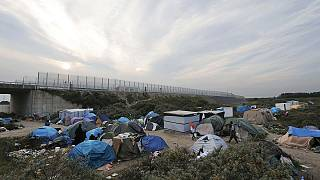 Fransa ve İngiltere göçmen sorunu için buluşuyor