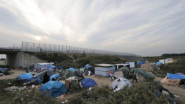 Accord franco-britannique pour lutter contre les passeurs à Calais