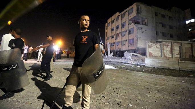 ستة جرحى في انفجار سيارة مفخخة استهدف مقرا أمنيا شمال القاهرة