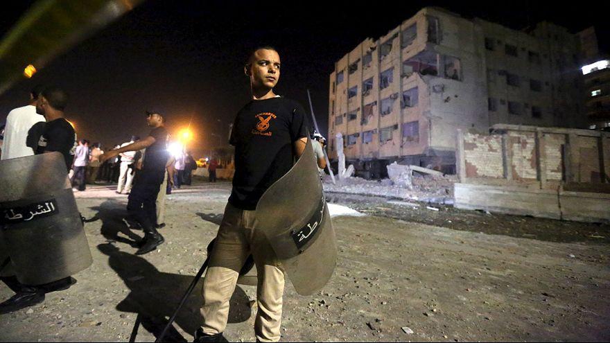 Egitto. Autobomba al Cairo vicino commissariato polizia, 6 agenti feriti