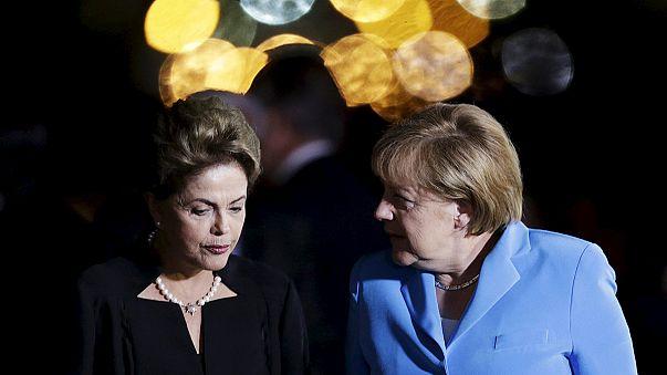 Angela Merkel arrive au Brésil au moment le plus délicat pour Dilma Rousseff