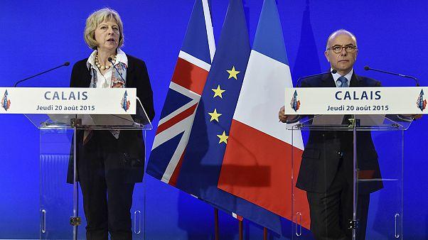 A britek és a franciák közösen próbálják megoldani a menekülthelyzetet