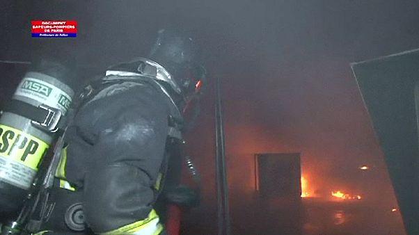 Violent incendie à la Cité des sciences de Paris