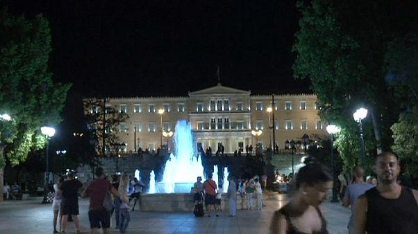 Ελλάδα: Οι κάλπες έρχονται, οι πολίτες ζυγίζουν τα υπέρ και τα κατά