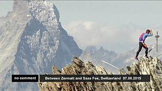 Corredor alpinista bate recorde de cinco picos