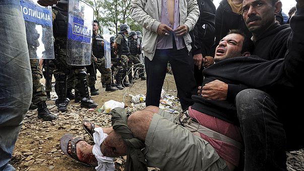 La police macédonienne repousse violemment des réfugiés à sa frontière