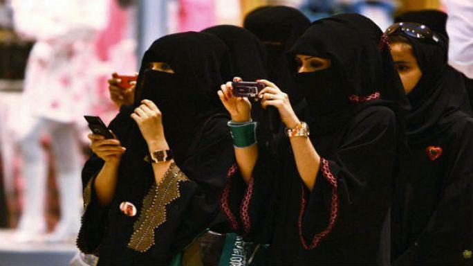 Suudi Arabistan'da kadınlar ilk defa sandığa gidecek