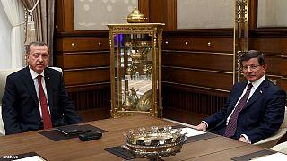 Turquia: Presidente bloqueia processo democrático e anuncia eleições antecipadas