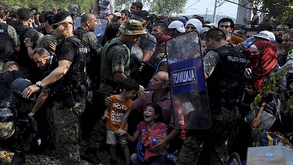 Migrant crisis: UN intervenes after FYR Macedonia border crackdown