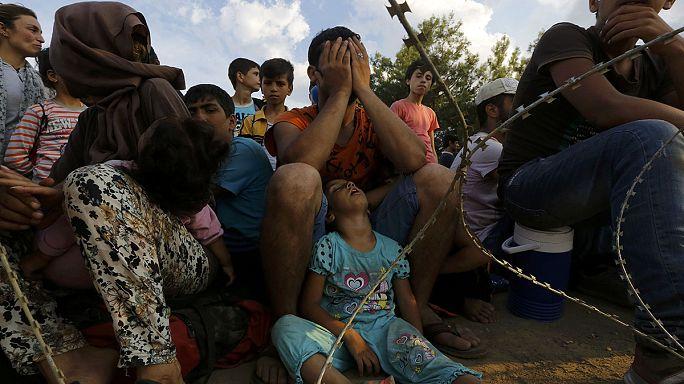 Enfrentamientos entre inmigrantes y fuerzas de seguridad macedonias en la frontera con Grecia