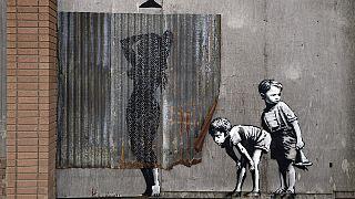 L'artiste de rue Banksy ouvre son propre parc, Dismaland, en Angleterre