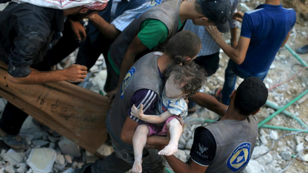 Syria: 'Miracle' rescue of little girl amid deadly weekend of violence