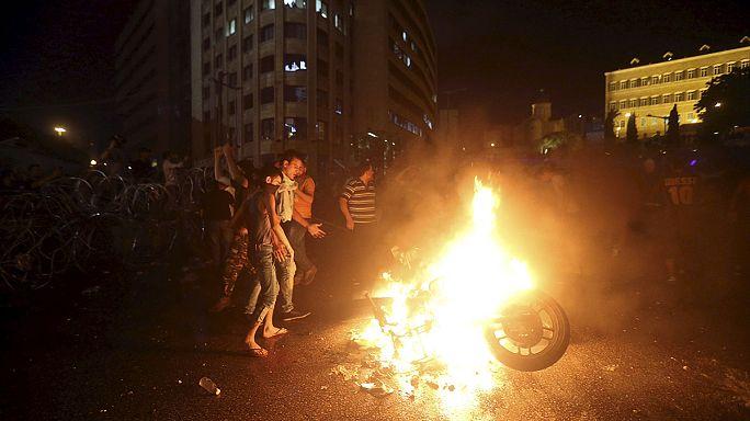 Wachsende Müllberge in Beirut  - Zahlreiche Verletzte nach anhaltenden Protesten