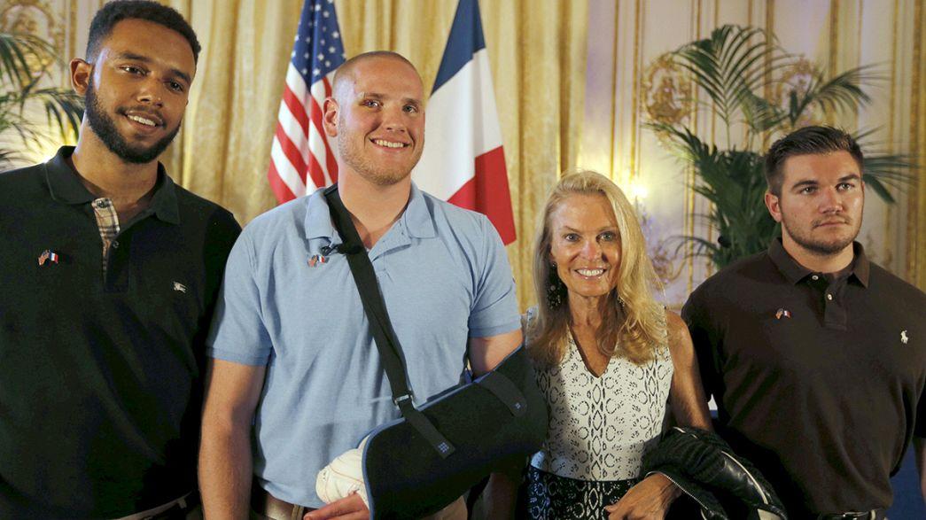 Thalys: az Élysée-palotába várják a francia gyorsvonat megmentőit