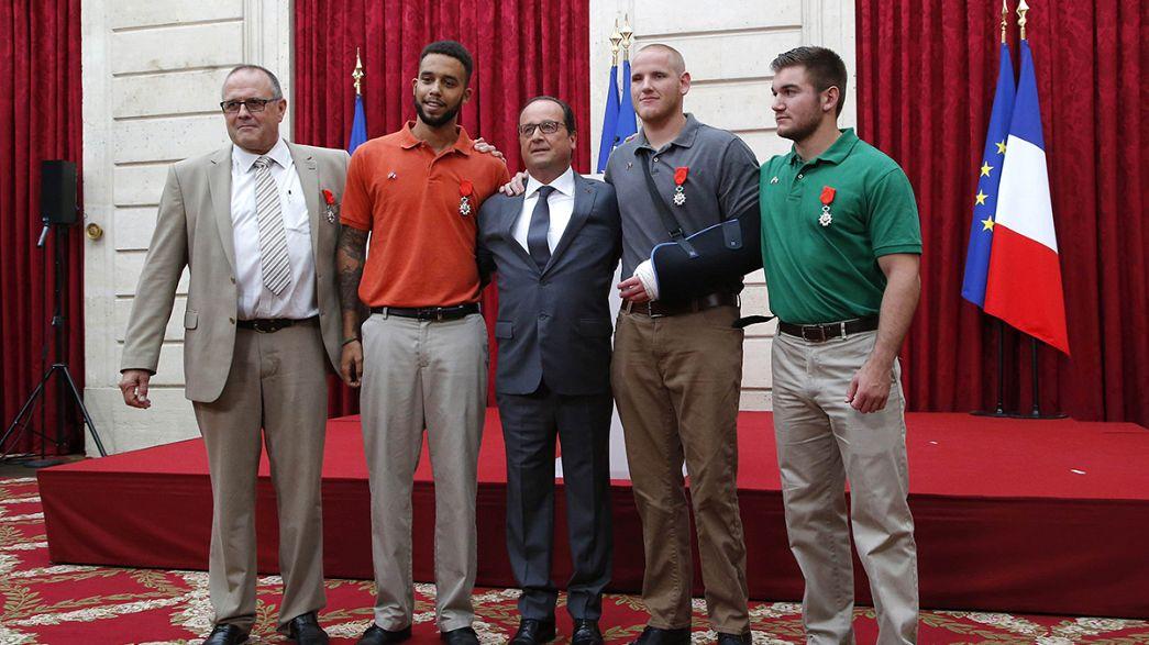 Hollande atribui Legião de Honra aos 4 homens que neutralizaram Ayub el Khazzani
