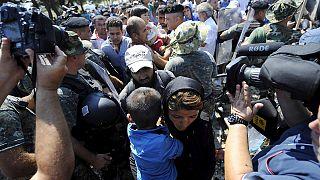 Χιλιάδες μετανάστες έχουν εγκλωβιστεί στη Σερβία