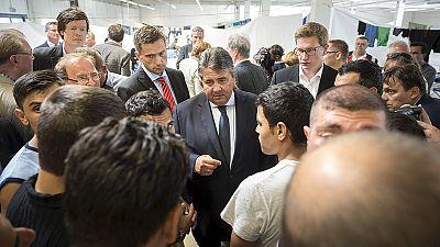 Germania: due centri profughi dati alle fiamme in pochi giorni. L'esecutivo promette giro di vite