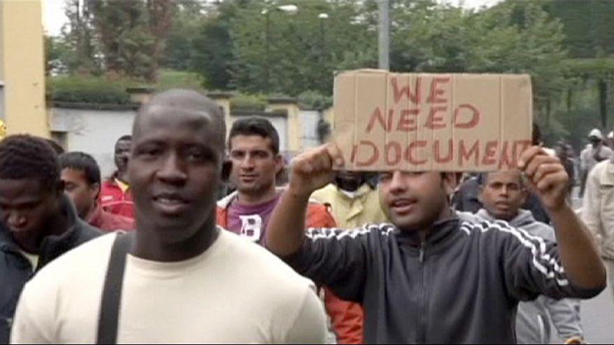 Protestas por las malas condiciones de un centro de acogida de inmigrantes del norte de Italia