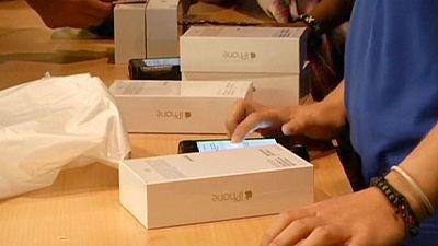 Apple: IPhone 6 plus difettosi. La casa di Cupertino li ripara gratis