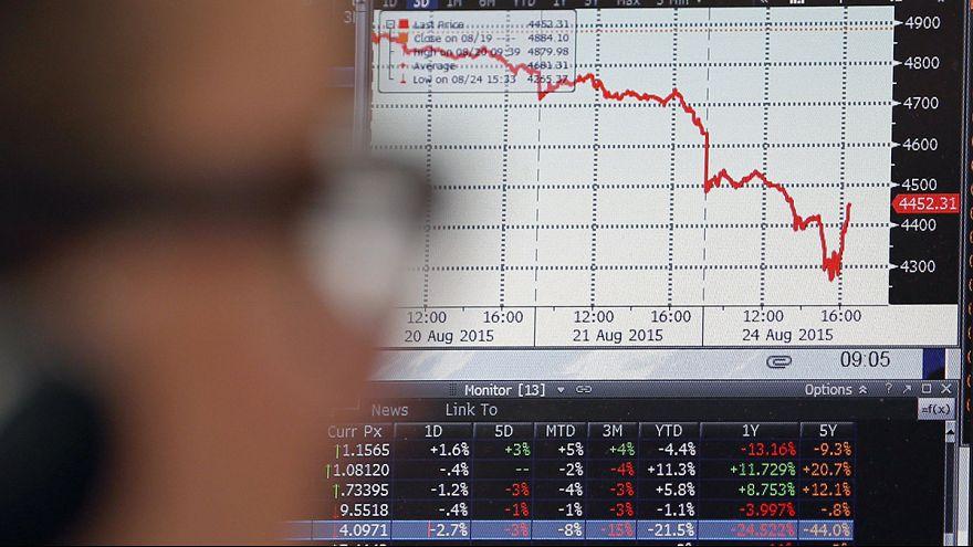 Las bolsas europeas caen un 5%, arrastradas por el desplome asiático