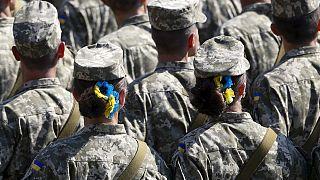 Kiev celebra l'Indipendenza dell'Ucraina, mentre Donetsk manifesta a sostegno dei ribelli