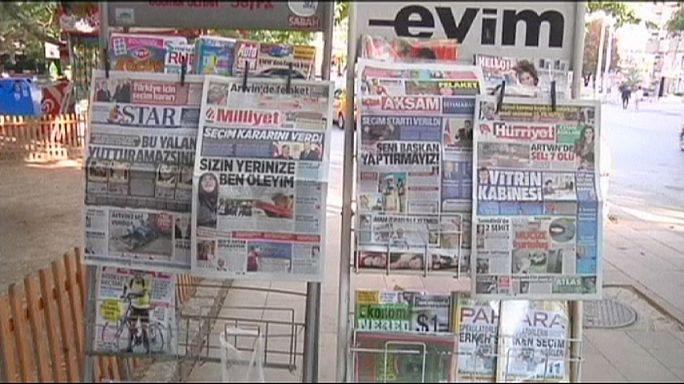 Türkiye'de seçim tarihi tartışılıyor