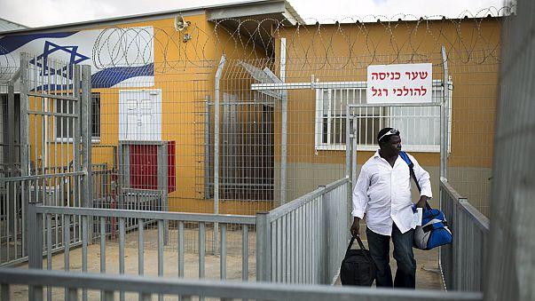 Израиль выпустил сотни африканских нелегалов из центра временного содержания