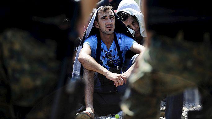 Naponta 3000 menekült érkezik a görög-macedón határra